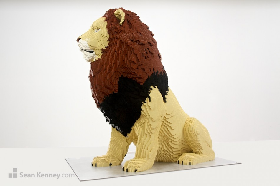 Lion LEGO art by Sean Kenney