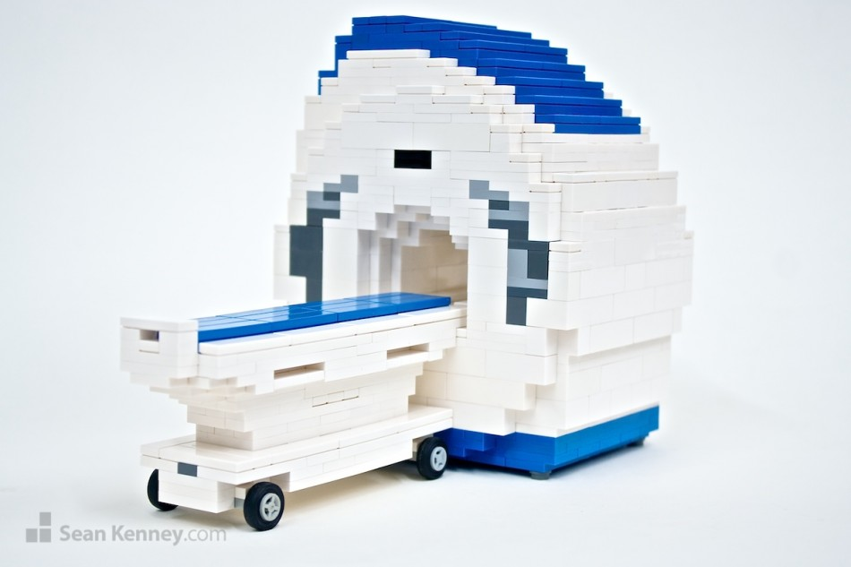 Mri-scanner LEGO art by Sean Kenney