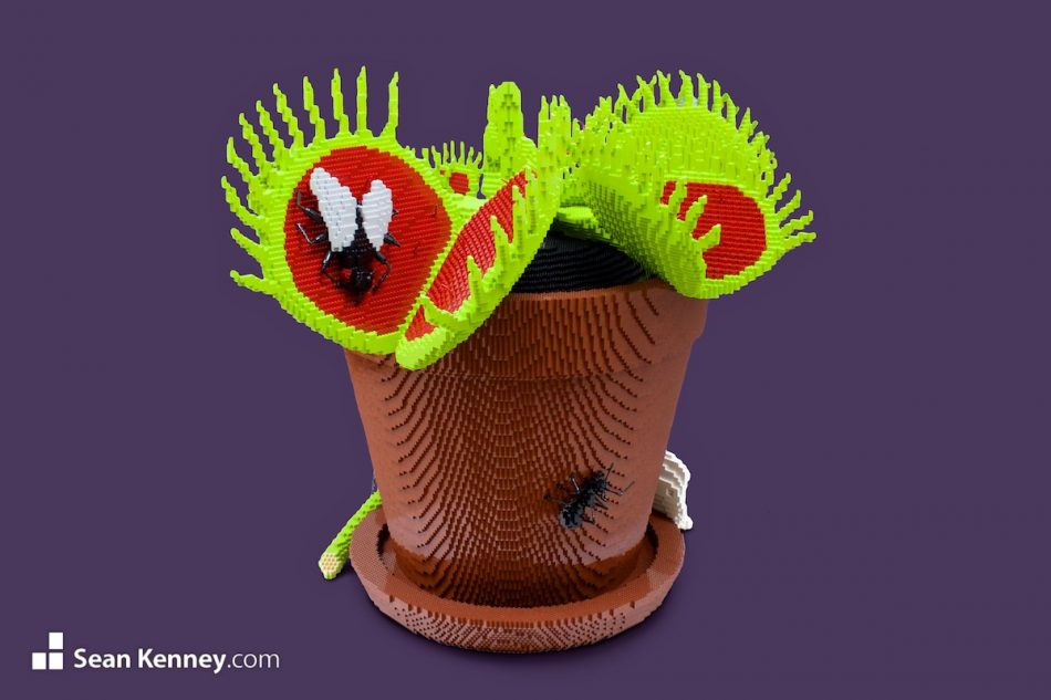 Venus-fly-trap LEGO art by Sean Kenney